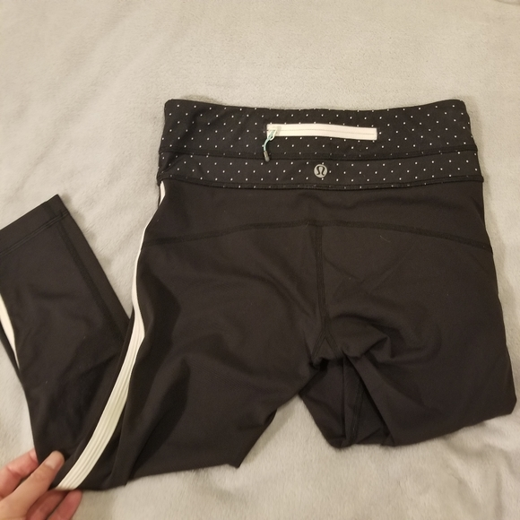 Lululemon Up the Pace Crop size 4
